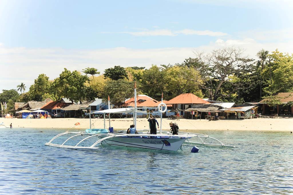 Basdaku White Sand Beach Resort