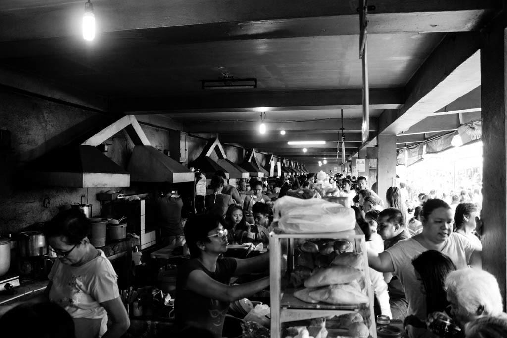 Busy puto-sikwati vendors