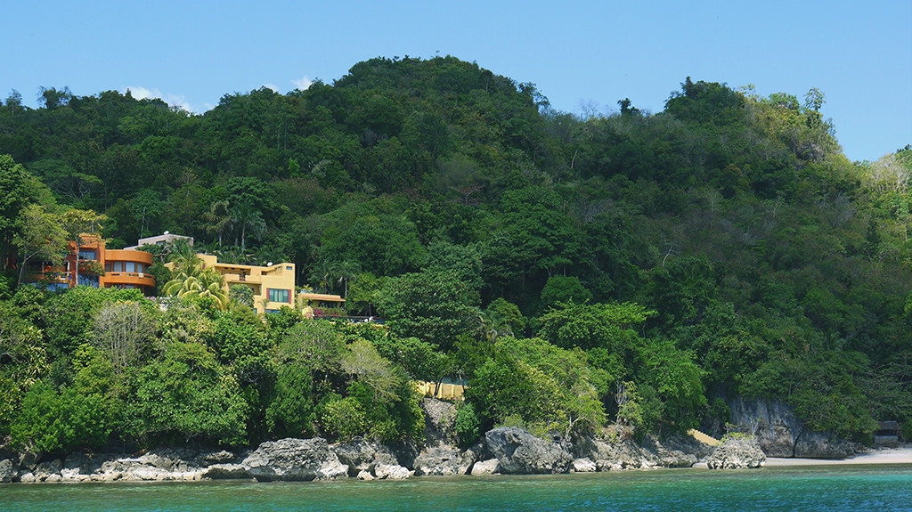 One of the many private houses you can see in Sipalay