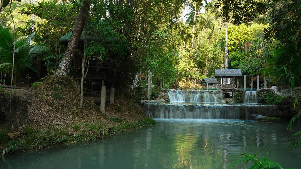 Multi-layered waterfalls