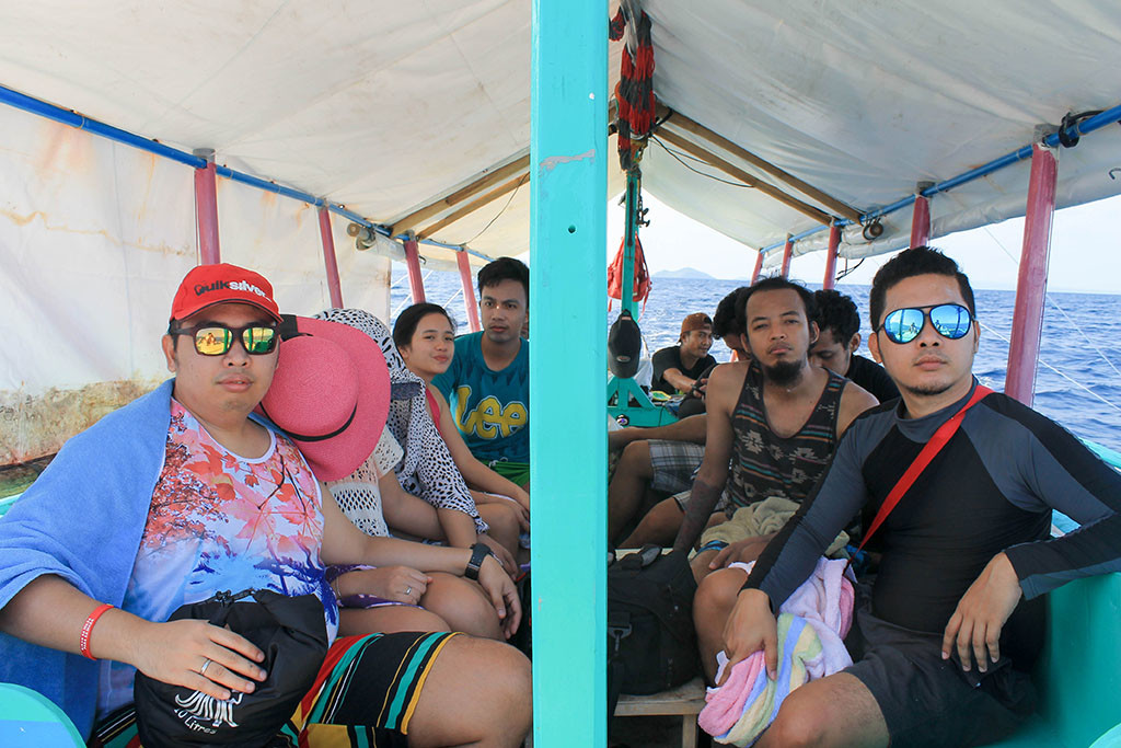 About face! On our way to Sambawan Island.