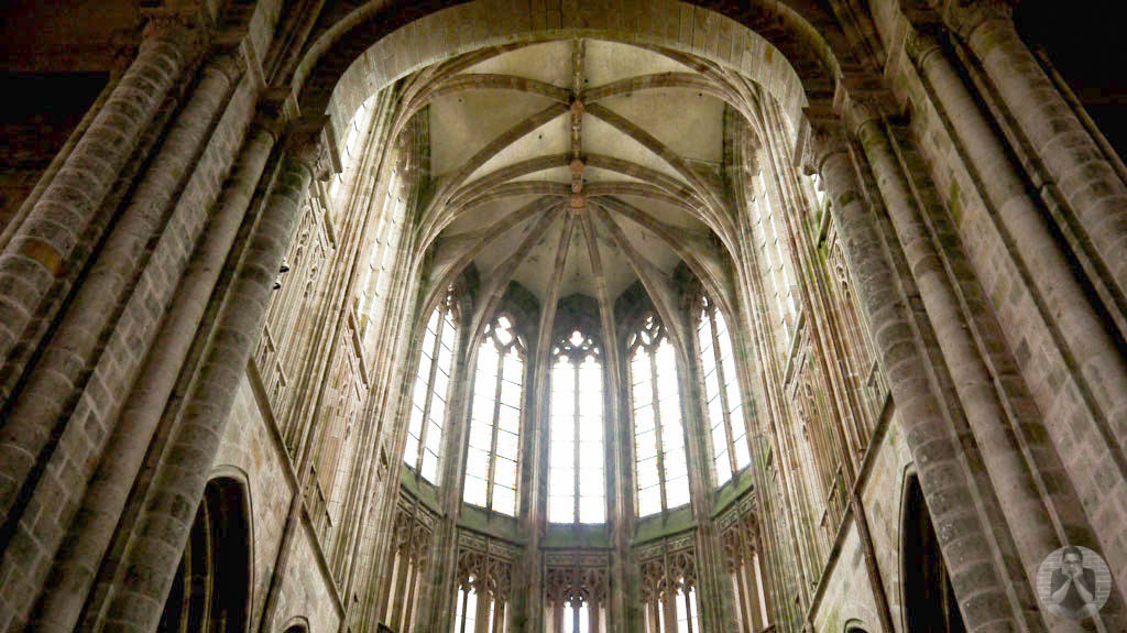 Amazing architecture inside the abbey