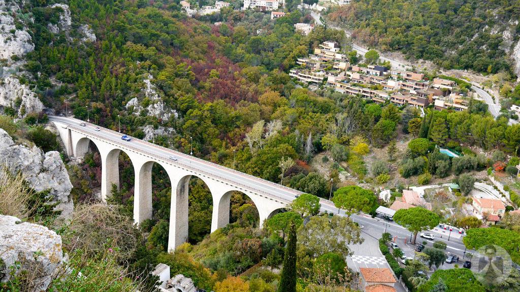 The bridge connecting to Eze