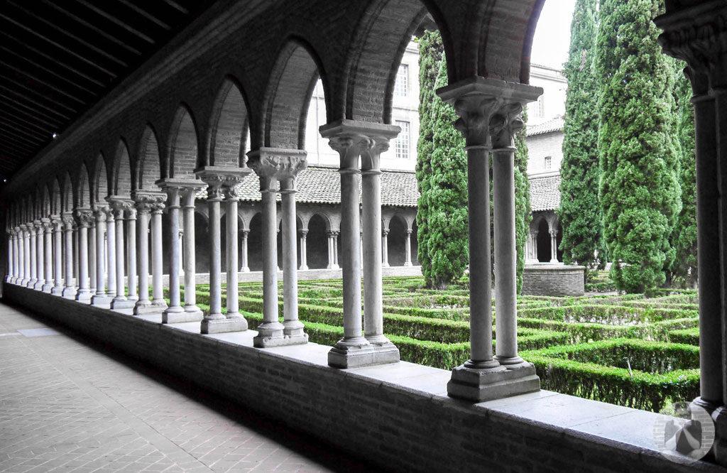 Garden inside Couvent des Jacobins