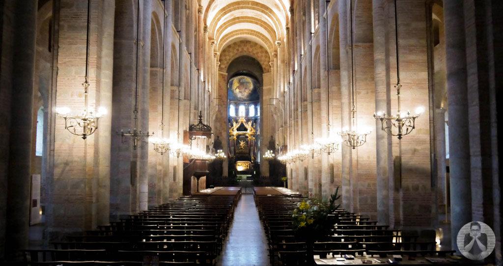 Inside Basilique Saint-Sernin de Toulouse